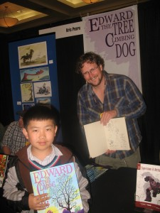 Perry Chen with animator Kris Pearn and his drawing (photo by Zhu Shen)